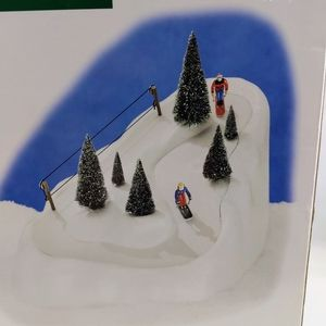 DEPT 56 Christmas VILLAGE ANIMATED SKI Slope